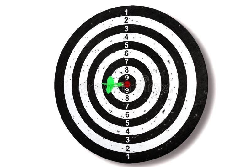Objetivo con la flecha en el centro Golpee la blanco Flecha verde en el centro aislante imagenes de archivo