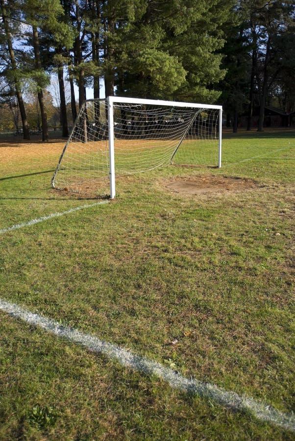 Objetivo e campo do futebol imagens de stock royalty free