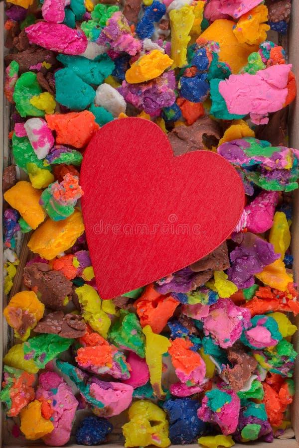 Objeto dado forma coração da cor vermelha na vista fotografia de stock royalty free