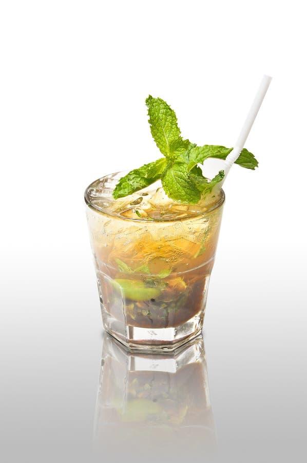 Objeto del fondo de la diversión del partido del alcohol del coctel de la bebida fotografía de archivo