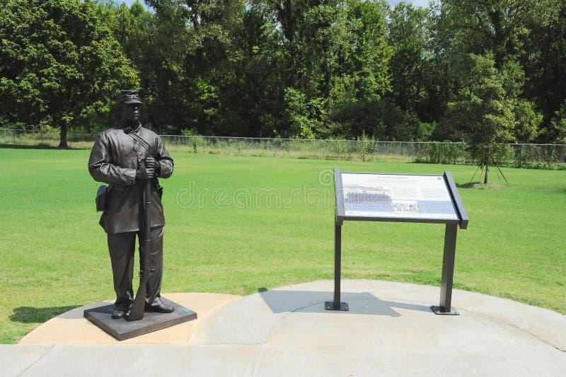 Objeto expuesto afroamericano en el parque de la libertad, Helena Arkansas de Solider de la unión fotos de archivo libres de regalías