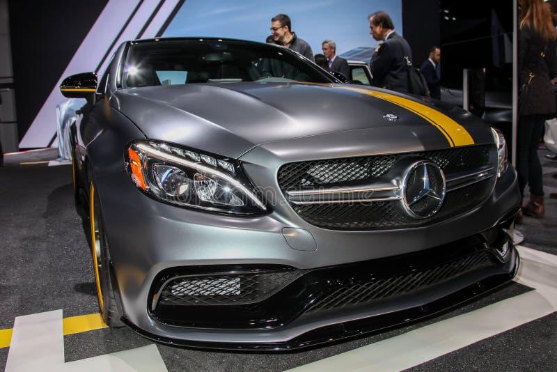 Objeto expuesto de la edición 1 del cupé de Mercedes AMG C 63 en la Nueva York 2016 imagen de archivo libre de regalías