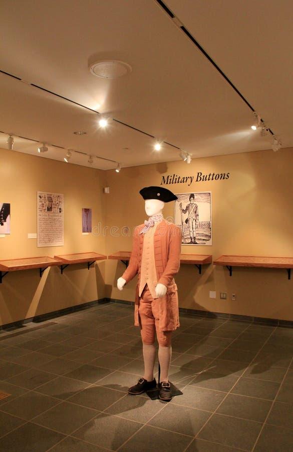 Objeto expuesto de uniformes militares típicos, Deborah Clarke Mars Education Center, fuerte Ticonderoga, Nueva York, 2014 foto de archivo
