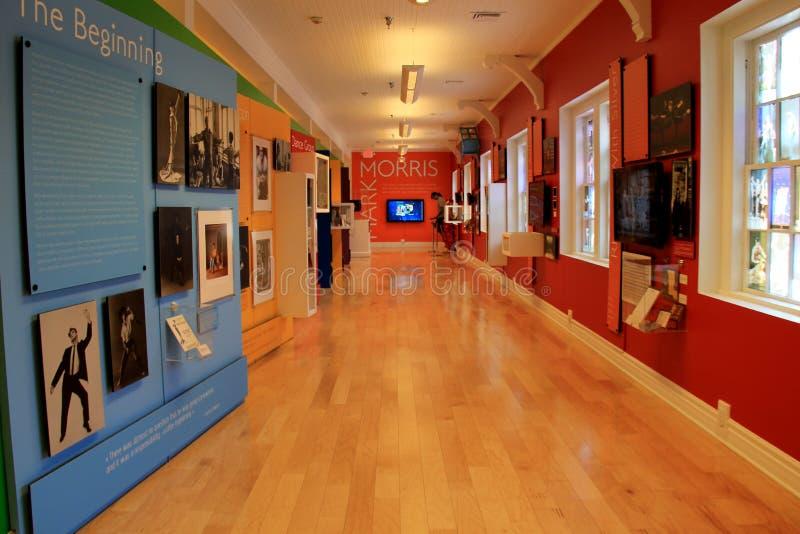Objeto expuesto hermoso e informativo que cubre Mark Morris y su amor de la danza, museo nacional de la danza, Saratoga, Nueva Yo fotografía de archivo