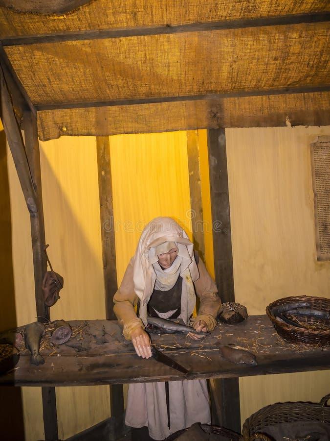 Objeto expuesto medieval de la preparación de comida en el museo de la ciudad en Lancaster Inglaterra en el centro de la ciudad fotografía de archivo libre de regalías