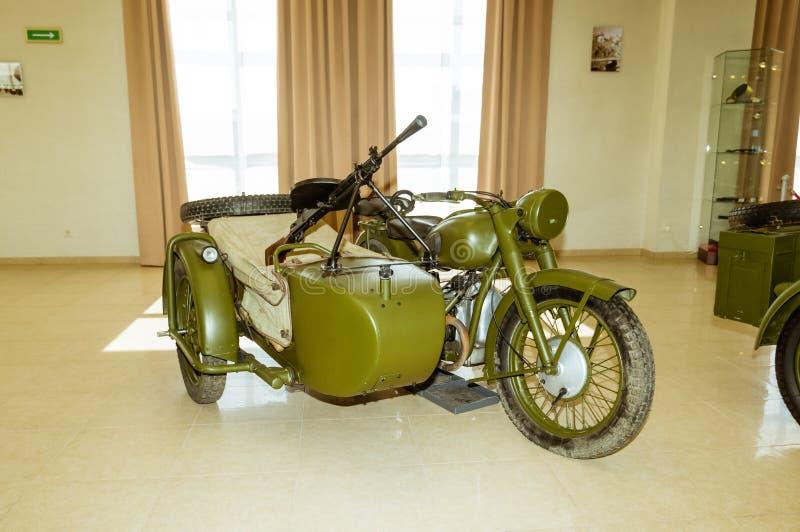 Objeto expuesto militar soviético de la motocicleta en el museo de la historia militar, Ekaterimburgo, Verkhnyaya Pyshma, Rusia,  fotografía de archivo libre de regalías
