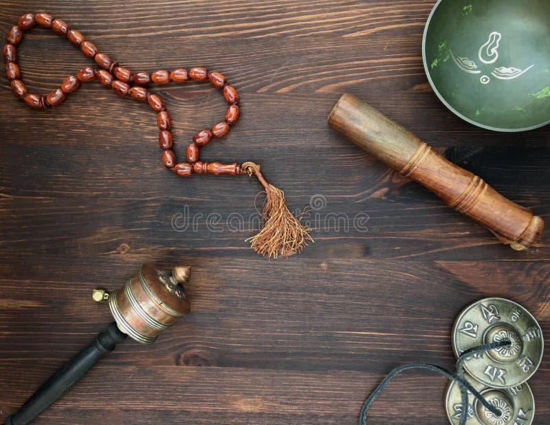 Objetos asiáticos para a meditação fotografia de stock royalty free