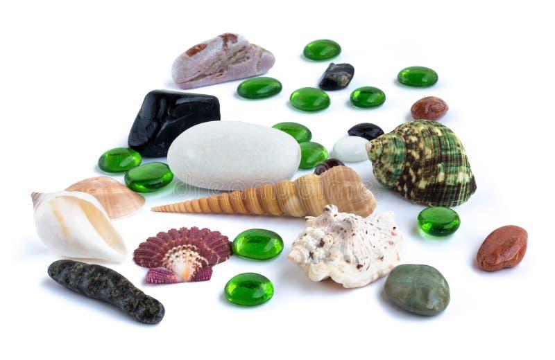 Objetos de playa de mar en un fondo blanco fotografía de archivo libre de regalías
