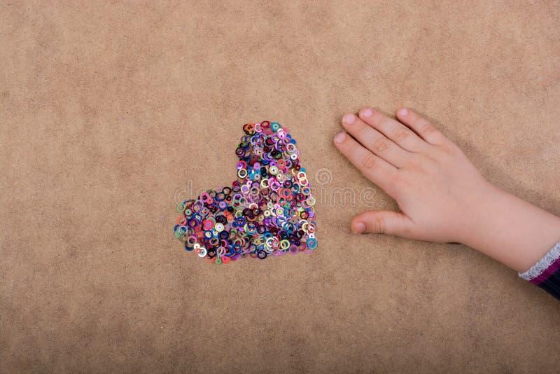 Objetos decorativos coloridos dados forma coração foto de stock royalty free