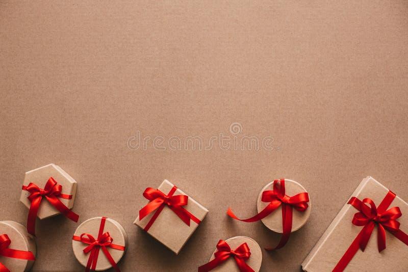 Objetos elegantes del amor para la celebración para un par, concepto del día de tarjetas del día de San Valentín de la tarjeta de fotografía de archivo libre de regalías