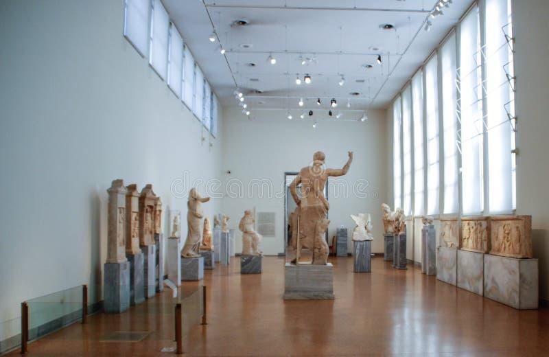 Objetos expuestos de la acrópolis en el museo de Atenas Grecia fotos de archivo libres de regalías