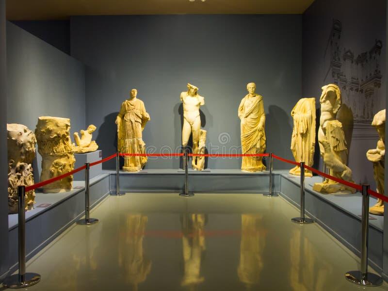 Objetos expuestos del museo de Ephesus foto de archivo