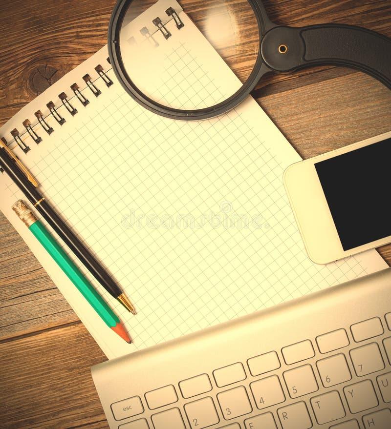Objetos para a informação encontrar e de gravação na Web foto de stock