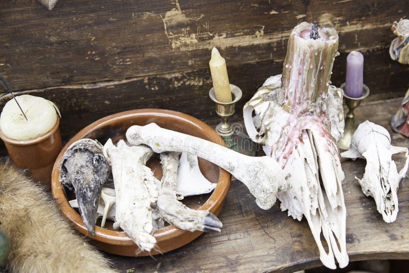 Objetos para los encantos y la brujería fotos de archivo libres de regalías