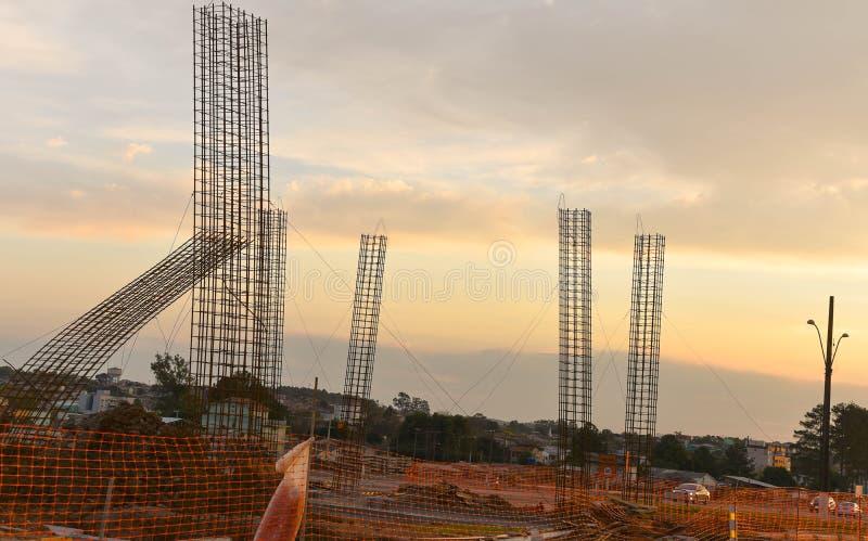 Objets façonnés de ciment pour la construction 01 de viaduc image stock