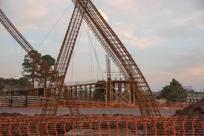 Objets façonnés de ciment pour la construction 02 de viaduc images libres de droits