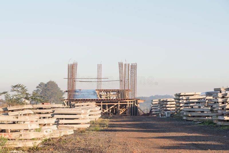 Objets façonnés de ciment pour la construction 004 de viaduc image libre de droits