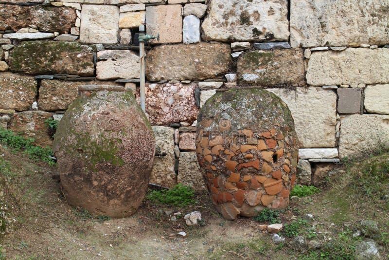 Objets façonnés en pierre en agora antique d'Athènes images libres de droits