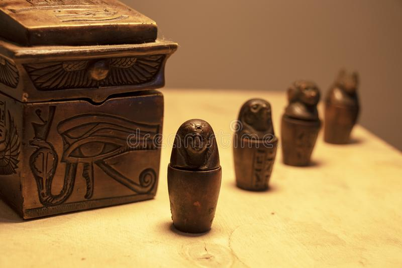Objets façonnés et symboles d'Egypte photos stock