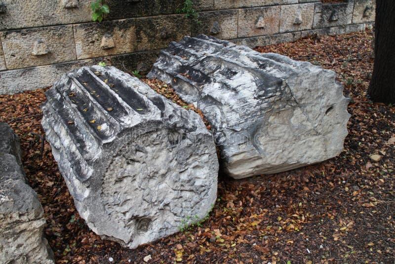 Objets façonnés pierreux en agora antique d'Athènes image stock
