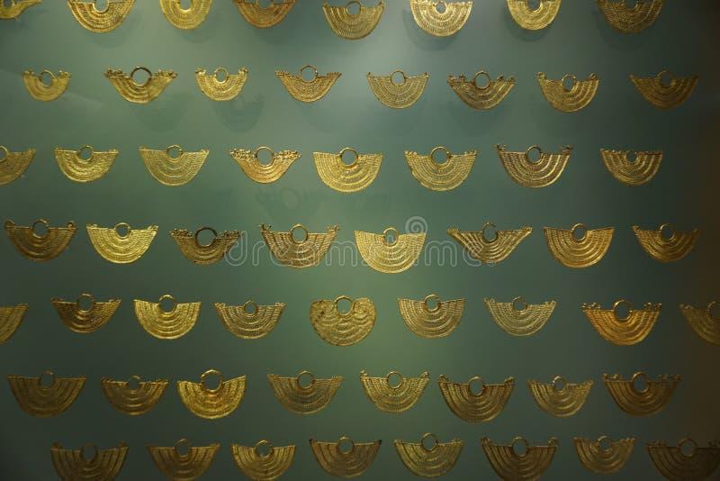 Objets façonnés précolombiens d'or photos stock