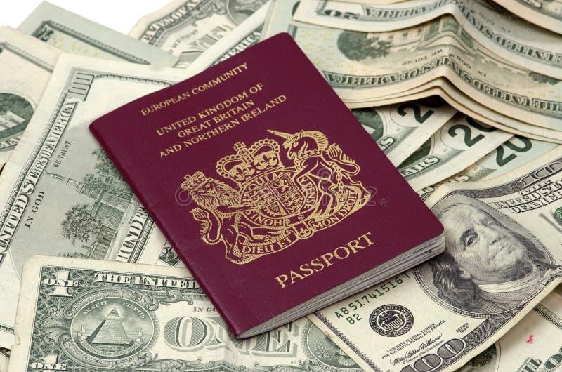Objets - passeport et devise photos libres de droits