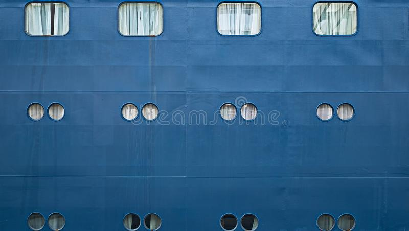 Oblò della nave, piccole finestre dal lato della nave fotografie stock libere da diritti