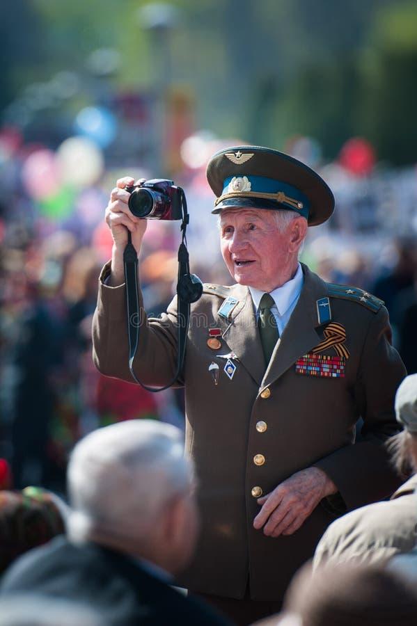 OBNINSK, RUSSIE - 9 MAI 2015 : Vétéran de la guerre sur Victory Day photo stock