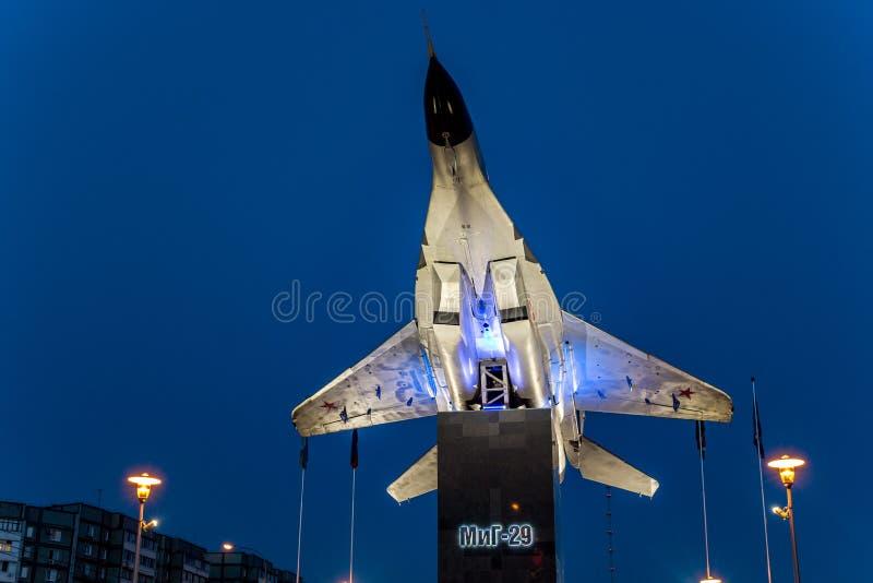 Obninsk, Russland - Juli 2016: Monument-Fläche auf Sockel MiG-29 stockfotos