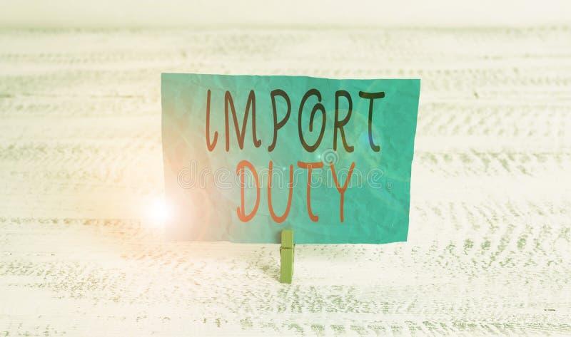 Obowiązek importowania tekstu do pisania w formacie Word Koncepcja biznesowa dotycząca podatku nałożonego przez rząd na towary z  zdjęcie royalty free