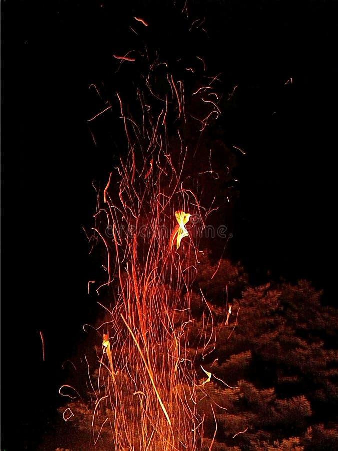 Obozowa pożarnicza ogniska lata zabawa obraz royalty free