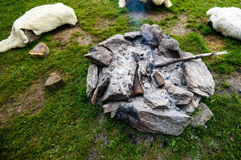 Obozowy ogień robić kamienia pierścionek autentyczny, tradycyjny, zdjęcie royalty free