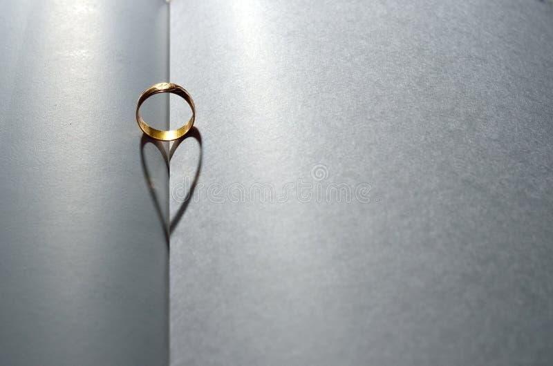 Obrączki Ślubnej serce zdjęcie royalty free