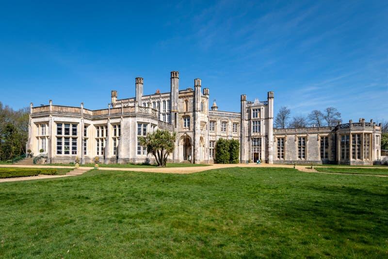 Obra-prima romântica do castelo de Highcliffe fotos de stock royalty free