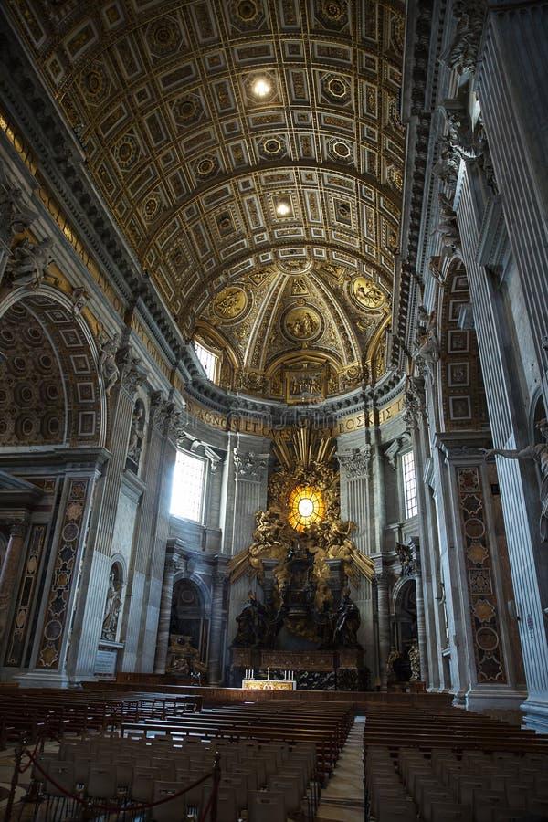 Obras maestras de Bernini - silla de San Pedro y de Gloria imagen de archivo libre de regalías