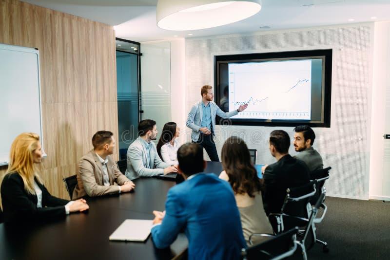 Obrazek biznesowy spotkanie w sala konferencyjnej obrazy stock