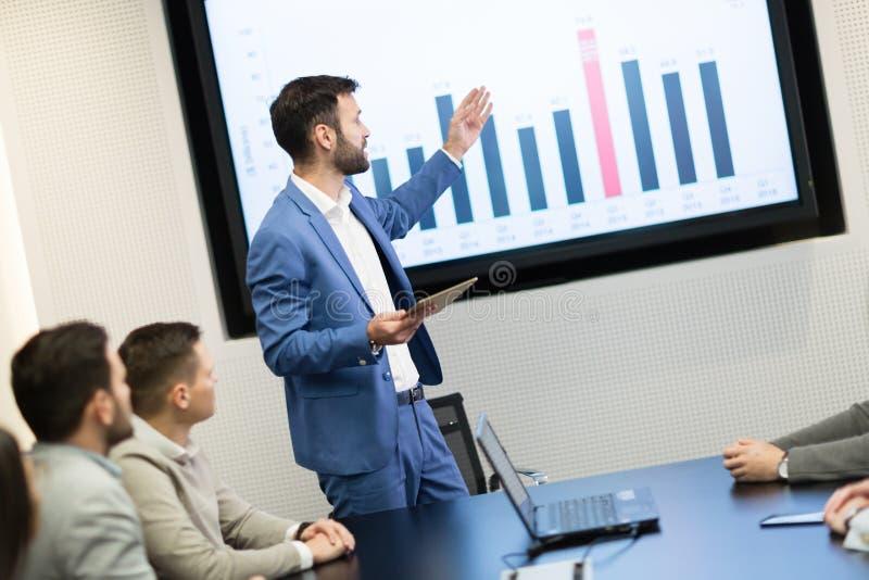 Obrazek biznesowy spotkanie w sala konferencyjnej fotografia royalty free