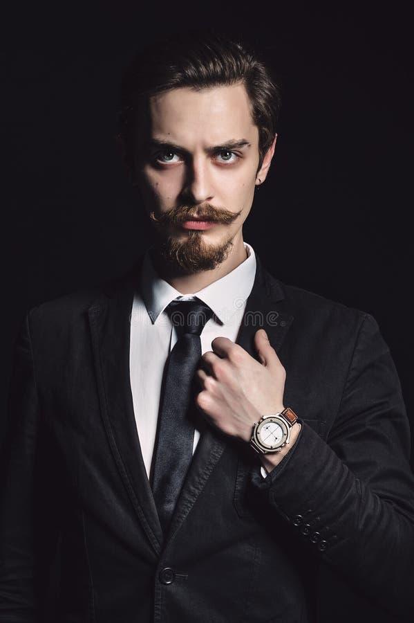 Obrazek elegancki młody człowiek obraz royalty free