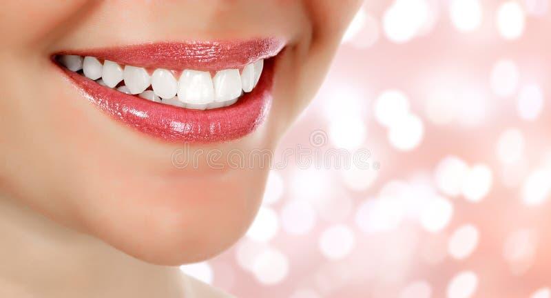 Obrazek kobiety ` s uśmiech zdjęcia royalty free