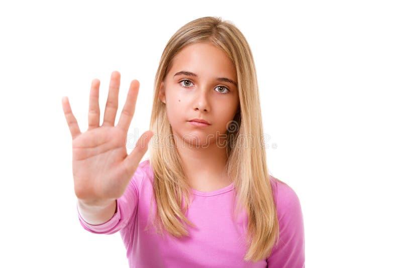 Obrazek młoda urocza dziewczyna robi przerwie gestykulować odosobniony zdjęcie royalty free