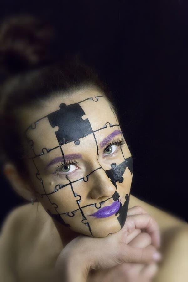 Obrazek piękna kobieta przy zdrój procedurami obrazy stock