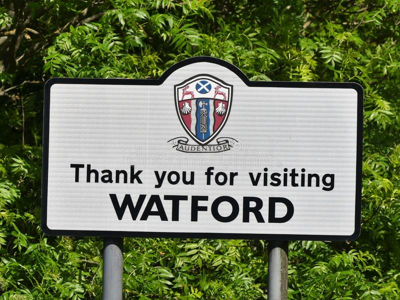 Obrigado visitando o sinal de estrada de Watford imagem de stock royalty free