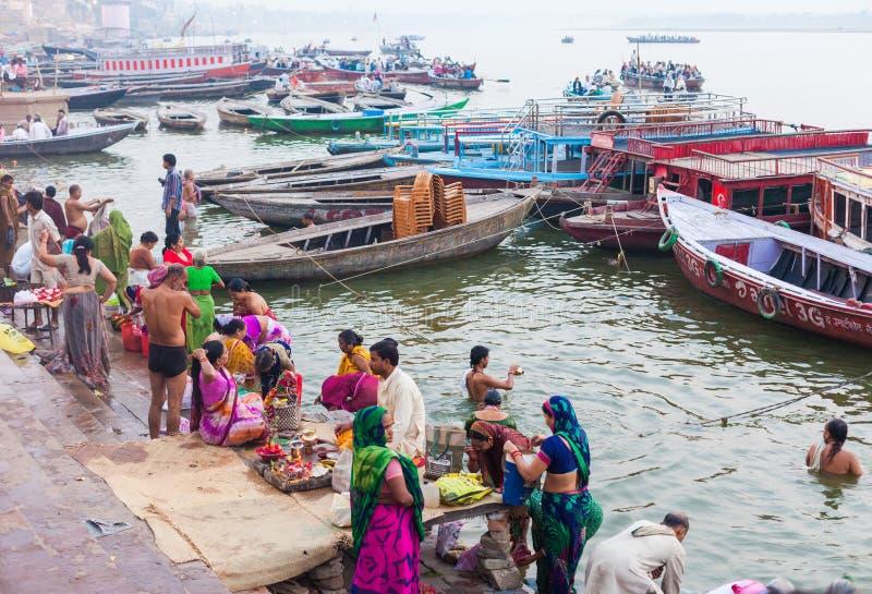 Obrządkowy kąpanie w Rzecznym Ganges zdjęcia royalty free