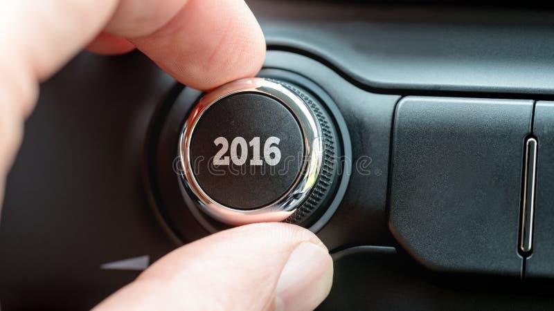 Obsługuje obracać elektroniczną kontrolną gałeczkę z daktylowy 2016 lub tarczę obraz royalty free