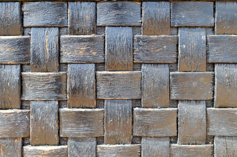 Obscuridade quadriculado - azul - homogêneo de vime velho áspero da textura quadriculado de madeira convexa preta da geometria imagens de stock