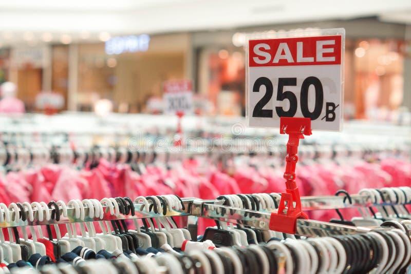 Download Observação da venda foto de stock. Imagem de venda, mall - 80103110