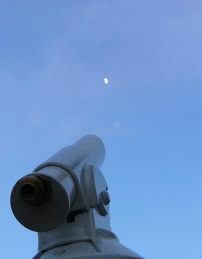 Observación de la luna fotografía de archivo libre de regalías
