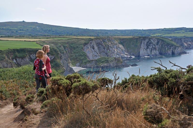 Observación del mar en País de Gales foto de archivo