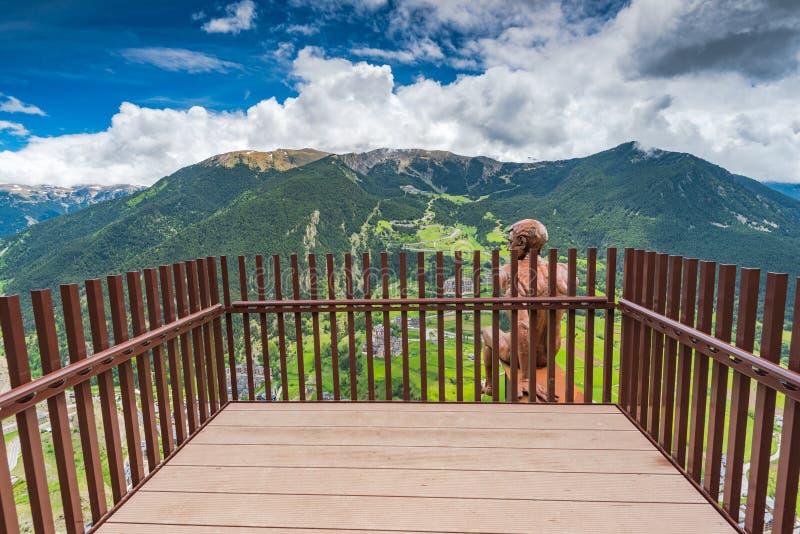Observationsdäck i Andorra - Roc Del Quer arkivbild