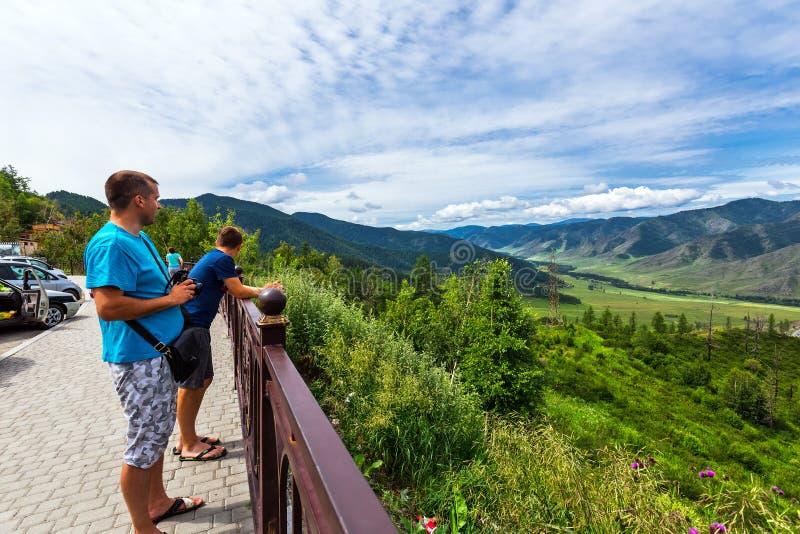 Observationsdäcket på den Chiken-Taman Altai republik, Ryssland arkivfoto